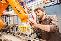 Robotic systems that offer flexibility and high precision repeatability in any production flow.