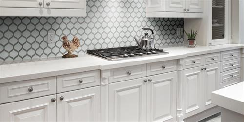 Gallery Image imagesroom_scenes839originalpom-pure-white-scallop-mosaic-kitchenbacksplashjpg_slider.jpeg