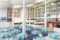 A banquet in the Atrium can seat up to 400.