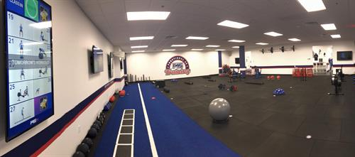 Gallery Image F45_South_Hoover_-_Work_Out_Area_Front_Corner_View.jpg