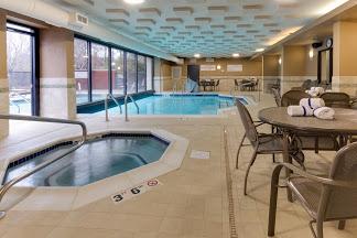 Gallery Image hotel_pool.jpg