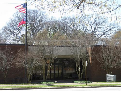 Hart County Library (Benson Street side)