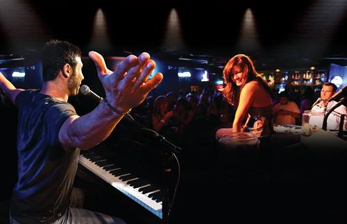Que d'Keys Dueling Piano Show