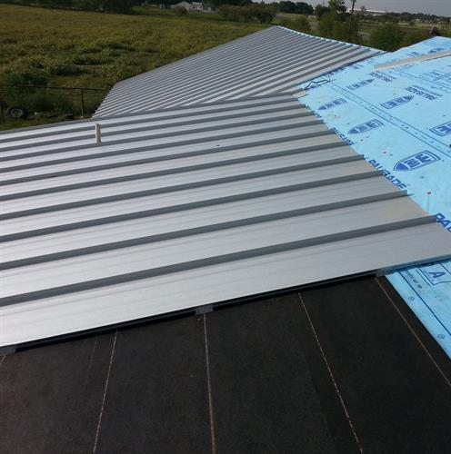 Gallery Image metal_roofing.jpg