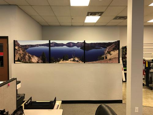 Window decoration with matte laminate over printed vinyl