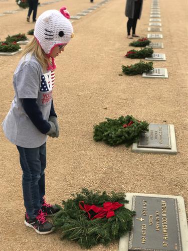 Gallery Image wreath_across_america_8.JPG