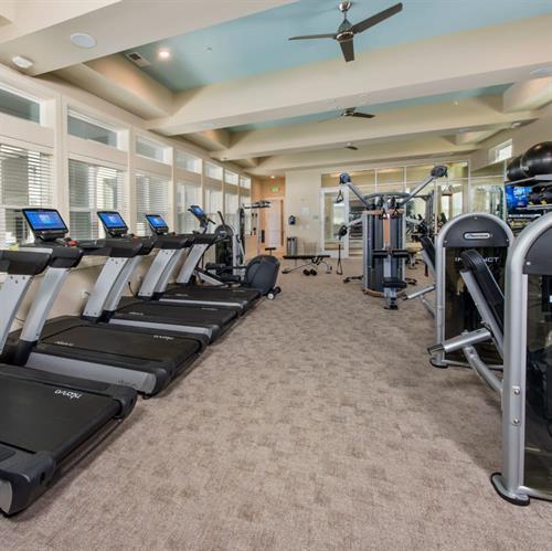 Gallery Image Fitness_Center_01.jpg