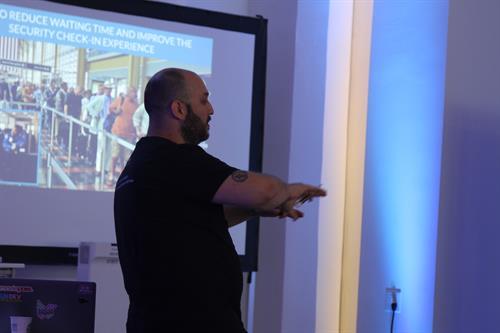 Our CEO - Ignacio GH giving a UX Training seminar at Piloto 151 in PR