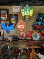 Old Neon Beer Signs & Lights