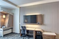 Guest Room - Movable Desk