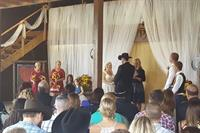 Country themed ceremonies are more romantic with RomanticVows.com