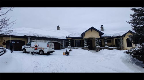 Gallery Image Snow_pict_-_Quisberg's_roof_and_blower_.PNG