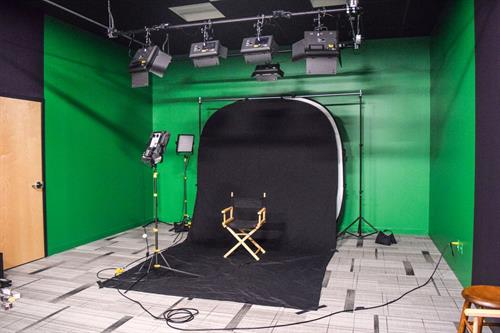 Gallery Image Green_Screen_Studio.jpeg