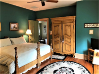 Gallery Image 10a-St_Michaels_Room_Bed_840x630.png