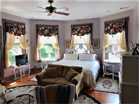 Gallery Image 17a-Easton_Room_Bed_840x630.png