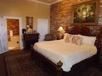 French Country Suite - Carriage House