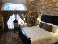Lady Guinevere Suite - Carriage House