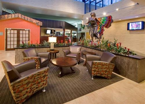 Holiday Inn Austin Lobby
