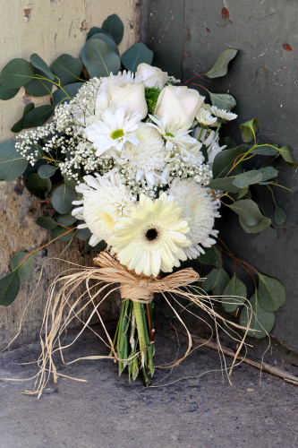 White country wedding bouquet. Photo credit Ardent Photography (Rick & Stephanie Osborn)
