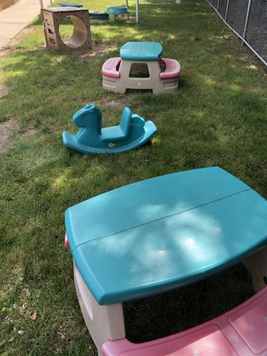 Toddler/Discovery Preschool Picnic Tables