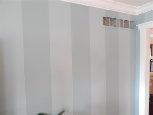 Gallery Image WallVertStripes.JPG