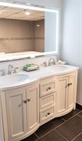 Jacuzzi Suite Bathroom -Recently Renovated