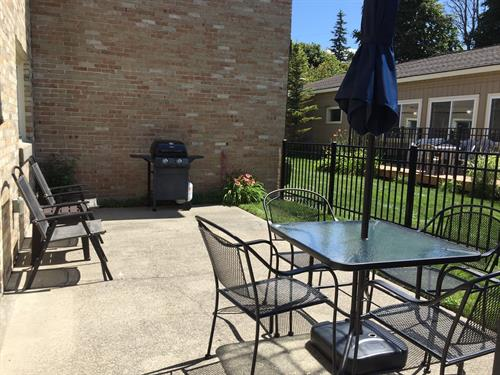 Patio for 2 Bedroom Pier House Apartment. Call for details. Weekly rental only.