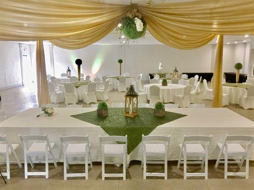 Graystone Event Center is 300 reception and 100 ceremonial guest convention center located adjacent to the hotel. Perfect venue for all events.