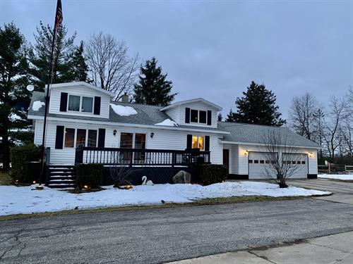 11003 N. LaSalle Rd, Manistee ~ For Sale ~ Must see home!  Call for a showing.
