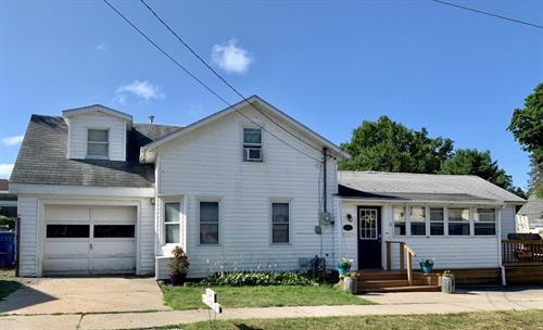 31 W. Lowell St., Pentwater, MI 49449 - Great Rental Property downtown Pentwater