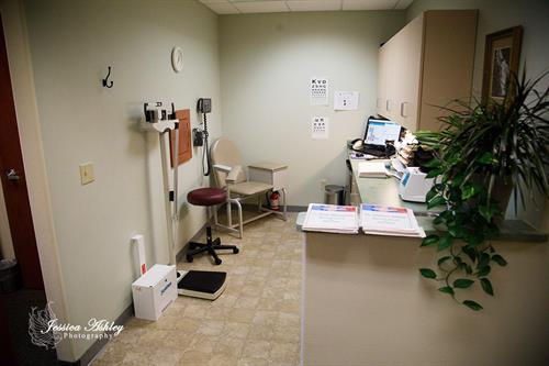 We have a full functioning lab. We can process food sensitivities, stool samples, blood draws, strep tests, urinalysis, genetic testing, and hormone profiles.