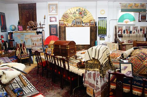 The classroom is a small intimate place to get to know  about Oriental rugs.....