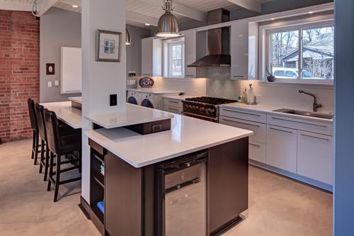 Gallery Image Contemporary-Minimalist-Kitchen-Design-Highland-Park-IL-3.jpg