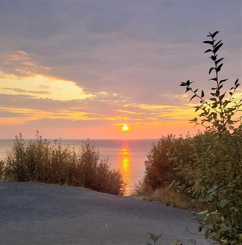 Gallery Image 2019_Alaska_Anchorage_sunset2.jpg