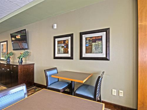 Gallery Image 5-Holiday-Inn-Express-Concepts-In-Art-LLC(1).jpg