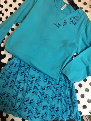 BEVERLY DESIGNS ARTWEAR top to match skirt