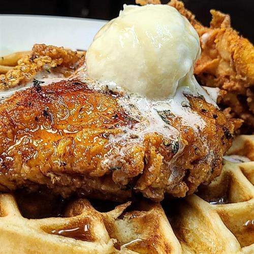 Gallery Image Chicken_and_Waffle.jpg