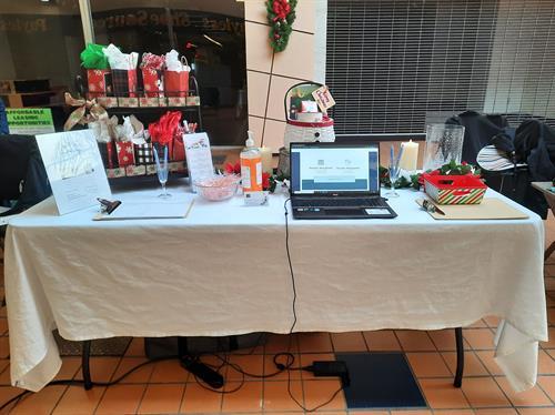 East Brook Mall December 2020 Holiday Vendor Fair