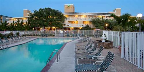 Gallery Image Quality-Inn-Oceanfront---Exterior---975776.jpg