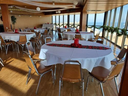 Hold your Holiday Party at Golden Sands