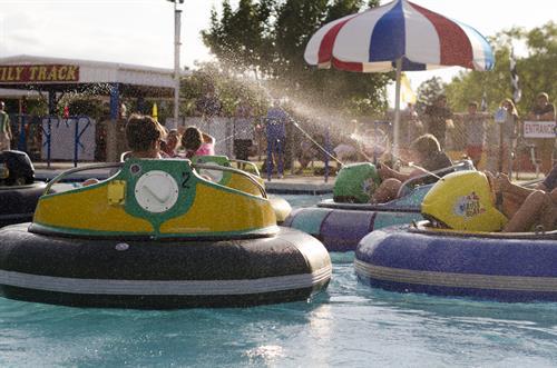 BUMPER BOATS! Water Blaster Bumper Boats