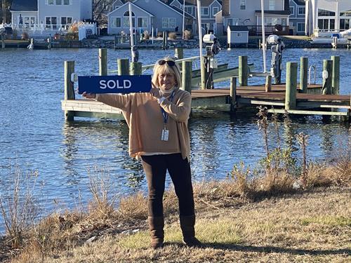 Just Sold 735 Laurel Ave! Direct Bayfront Home!