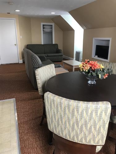 Deluxe 1 BR APT - Dining Room