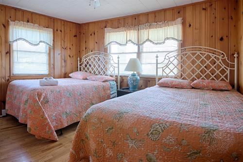 Bungalow 10 ~ Bedroom with 2 Queen Beds