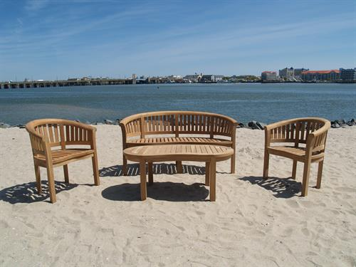 Kensington 4 Pc Collection..Bench, Chairs and Table