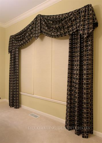 Dining Room - Decorative Swag with Side Panels
