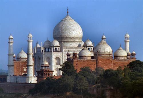 Gallery Image Johnson_N_DL_127_12-13-2006_-_Taj_Mahal_from_the_Red_Fort.jpg