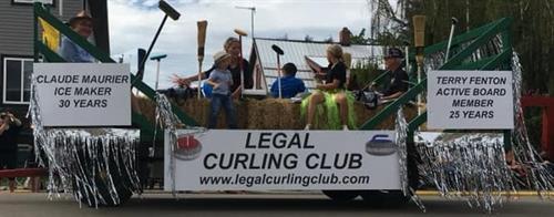 Gallery Image Legal_Curling_Club_-_Coroplast_signs_-_July_2019.jpg