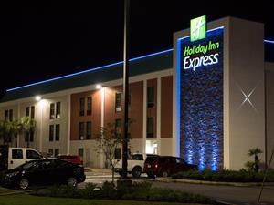 Holiday Inn Express - Shular Hospitality