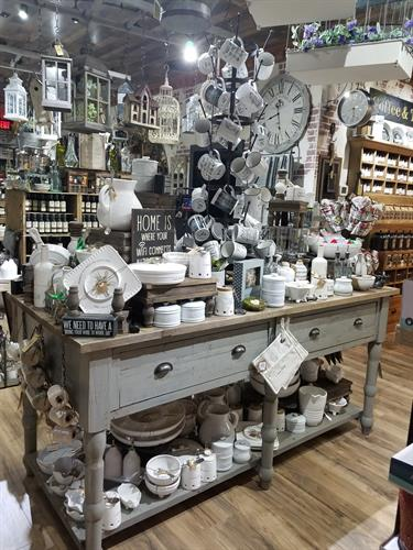 Home and Kitchen Décor by Mud Pie